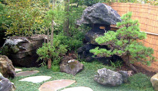 My simple japanese garden loving garden for Simple japanese garden plans